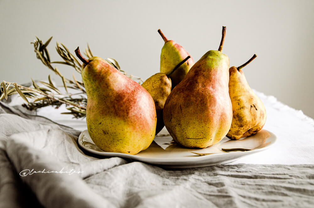 LaChicaBites_FoodPhotography_pears