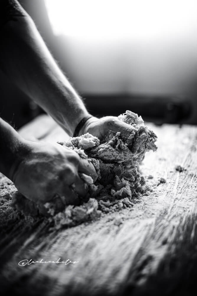 LaChicaBites_FoodPhotography_Working_with_hands
