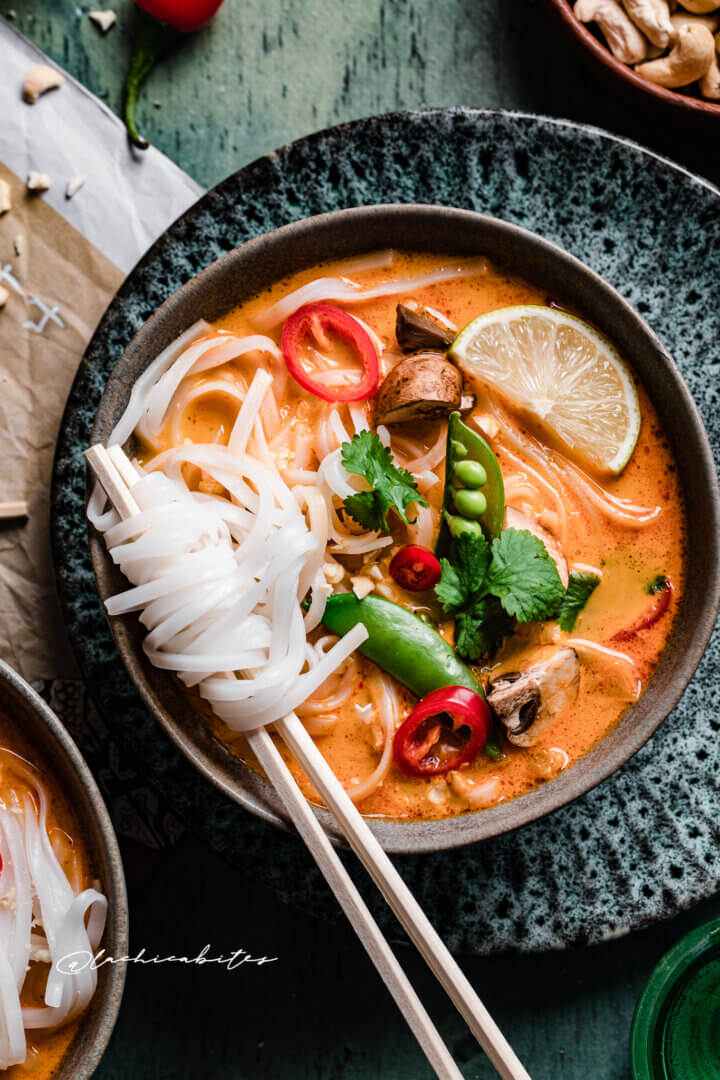 LaChicaBites- Best RED THAI CURRY SOUP Recipe